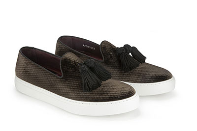 Slip-on made with printed velvet